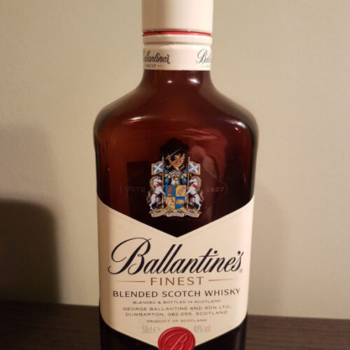 Ballantine's Finest Blended Scotch Whisky (40%)